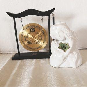 Chinese/Asian Decor Set - Gong and Vase
